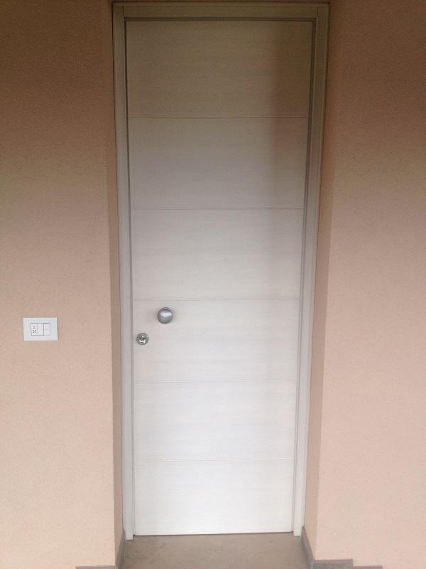 Portoncino d'ingresso bianco dal design moderno FB F.lli Barbiero Serramenti
